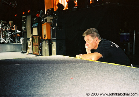 Donny Wightman (Aerosmith Chief of Security, a really nice guy & famous Boston Police Officer) in action at Aerosmith - Philadelphia, PA - August 29th, 2003